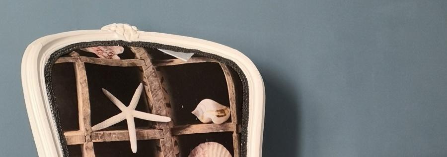 Une chaise Louis XV à l'air marin